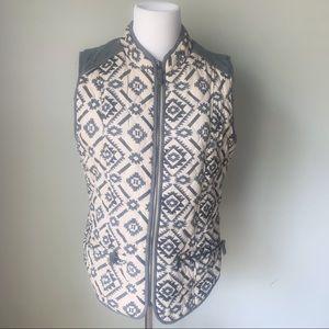 Entro aztec print vest size Small